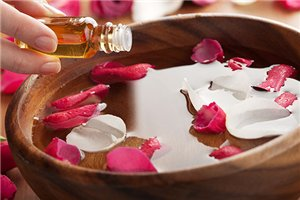 essential rose oils aromatherapy diffuser