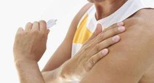 upper arm muscle pain after fall