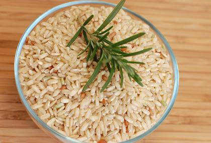 Best foods that don't cause gas: whole-grain rice