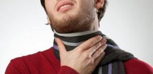 symptoms of allergies itchy throat