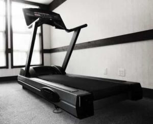 How to Lose 10 lbs. a Month Using the Treadmill