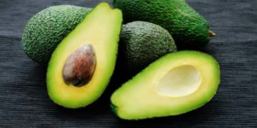 Avocados are a great source of vitamins C, E, K, and B-6, as well as riboflavin, niacin, folate, pantothenic acid, magnesium, and potassium.