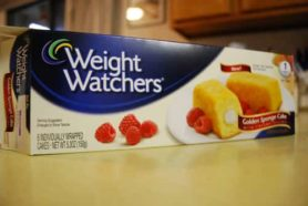 People following the Weight Watchers program can expect to lose upto 2 pounds/week.